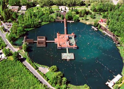 Экологический туризм в Венгрии: лечебное озеро Хевиз