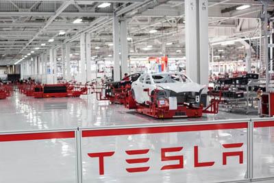 Электромобиль Tesla Model E выйдет в продажу в 2015 году